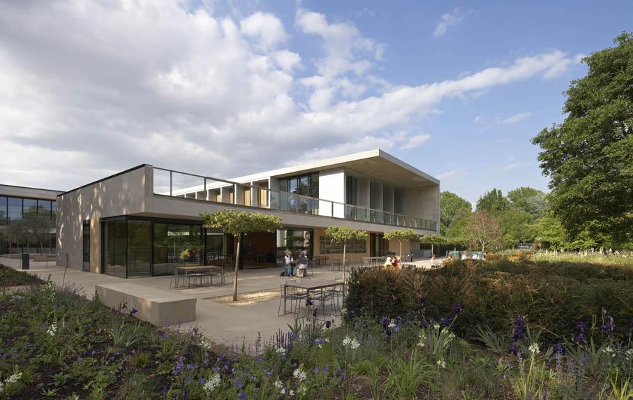 Sainsbury Laboratory building set within the Cambridge University Botanic Garden