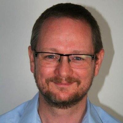 Dr Christopher  Graham