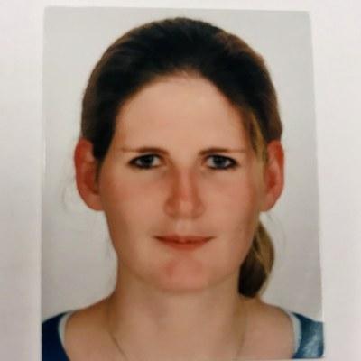 Dr Sabine  Brumm